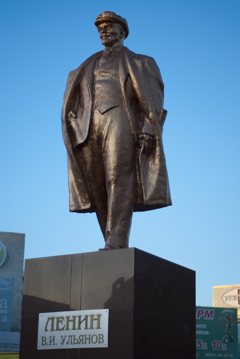 Photograph Lenin in Mariupol by Andreas Kontokanis on 500px