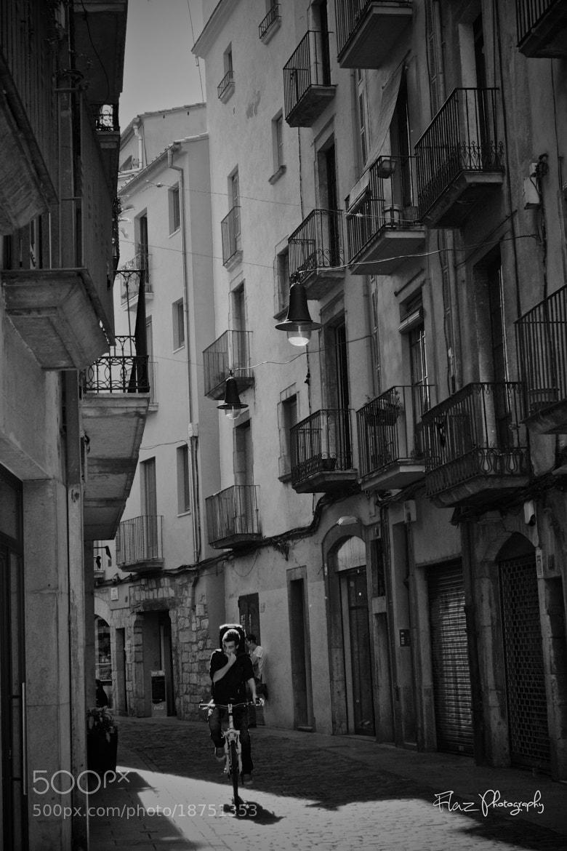 Photograph Between the facades by Florencia Azambuja on 500px