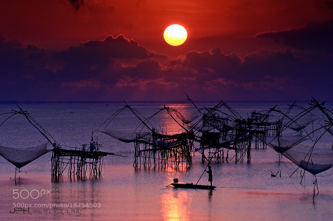 Photograph Fisher and Sunrise by Jakkaphan Hirunviriya on 500px