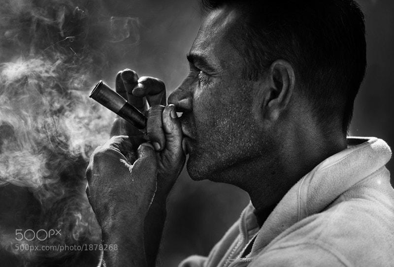 smoking chillum in Pushkar