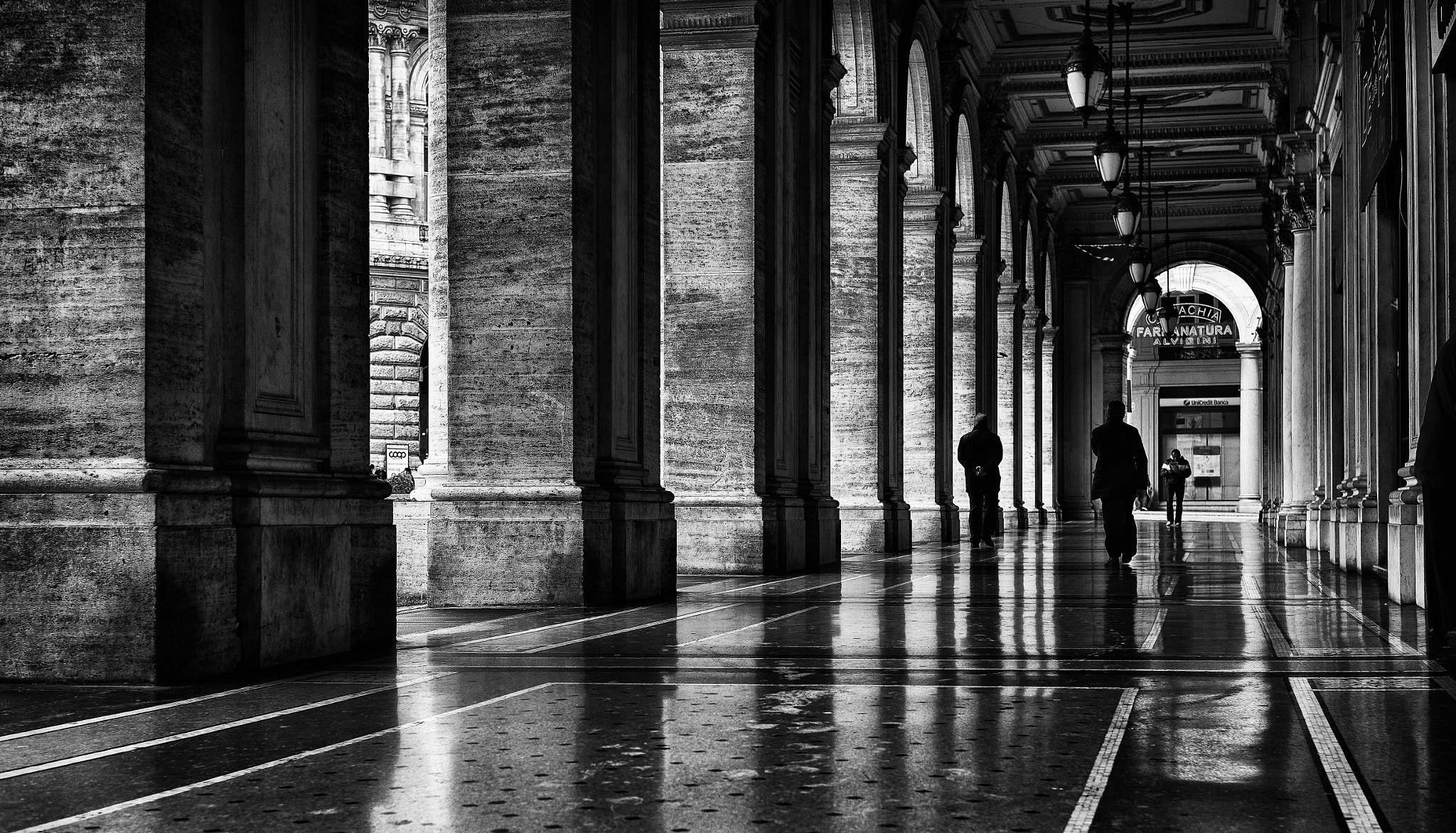 Photograph portico by Sergio Tassi on 500px