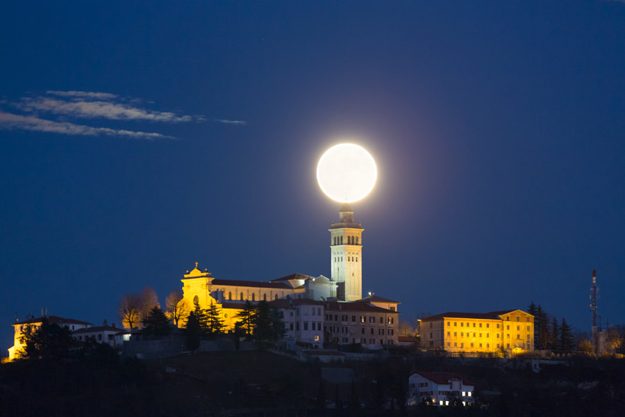 Big Moon by Jure Batagelj on 500px.com