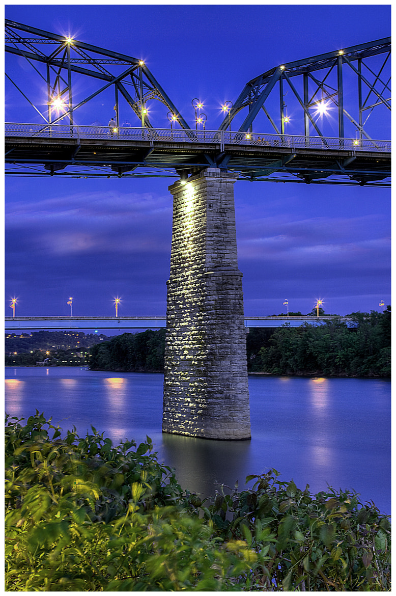 Photograph Walnut Street Bridge from Coolidge Park by Keith Mitchell on 500px