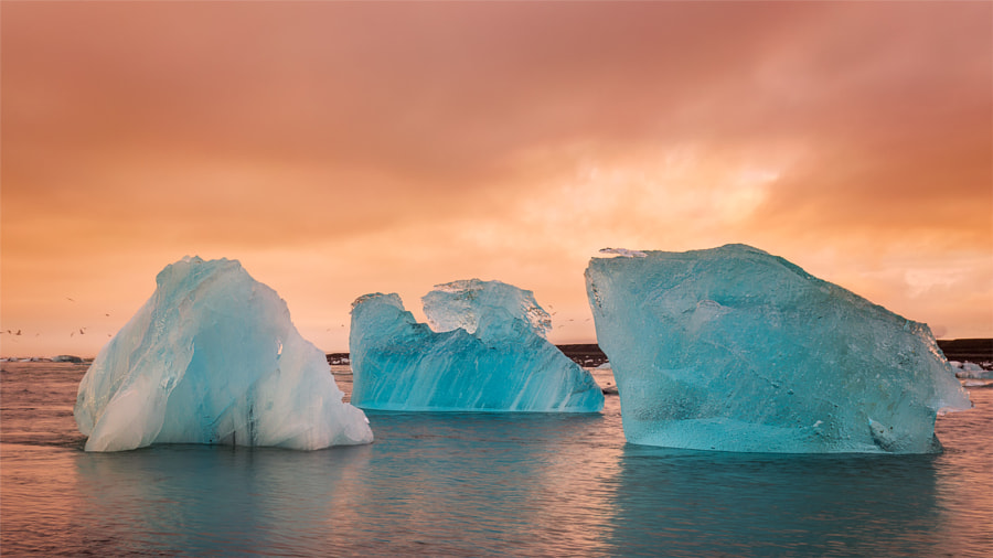Sunrise at Jokulsarlon by Saptashaw Chakraborty on 500px.com