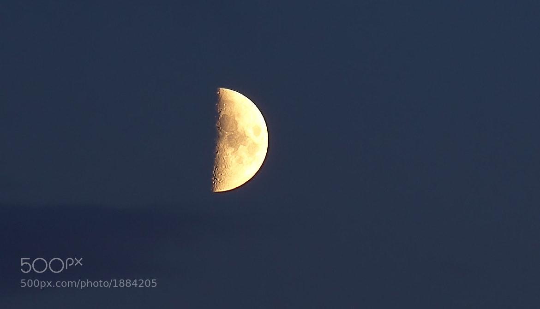 Photograph Mond by Peter Dargatz on 500px