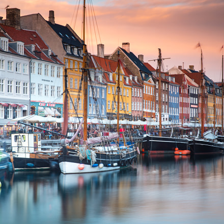 Sunset sky and Colorful Buildings in Nyhavn (Denma
