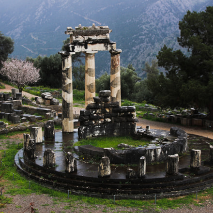 Tholos, Canon EOS 100D, Tamron AF 28-300mm f/3.5-6.3 XR LD Aspherical [IF] Macro