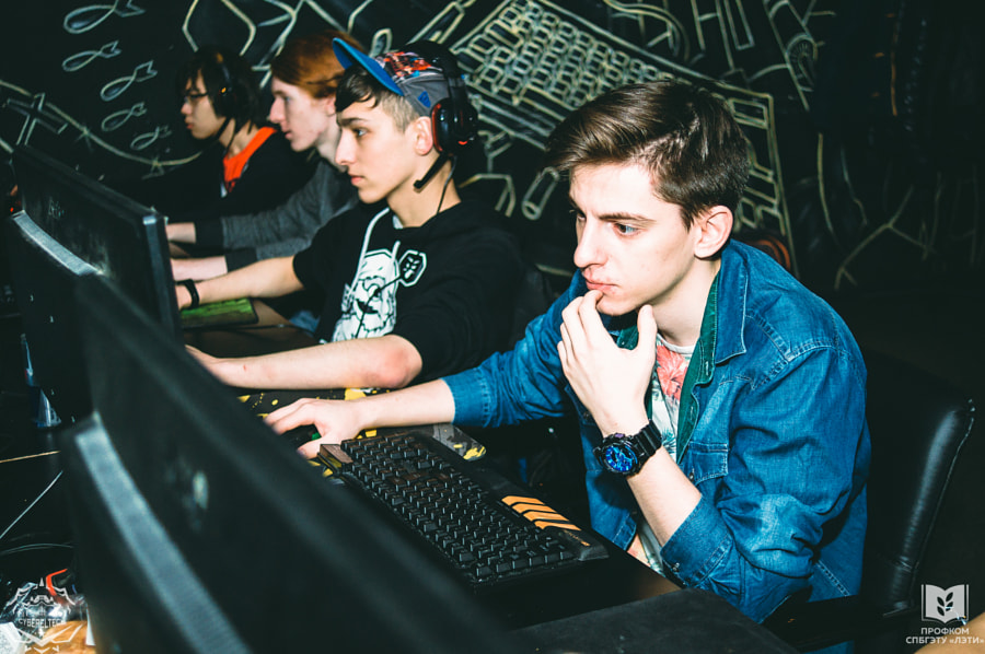 Gaming, автор — Daniil Alekseev на 500px.com