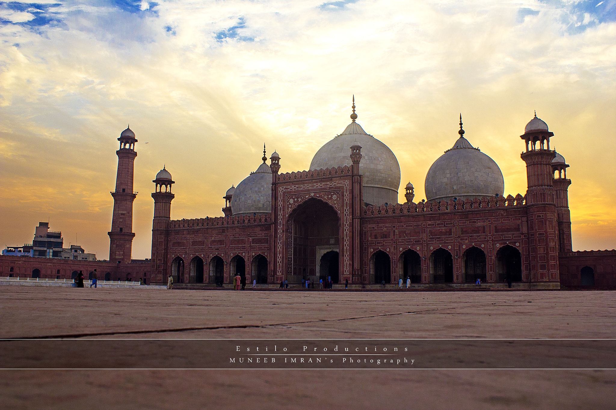 Photograph The Royal Red Mosque  by Muneeb Imran on 500px