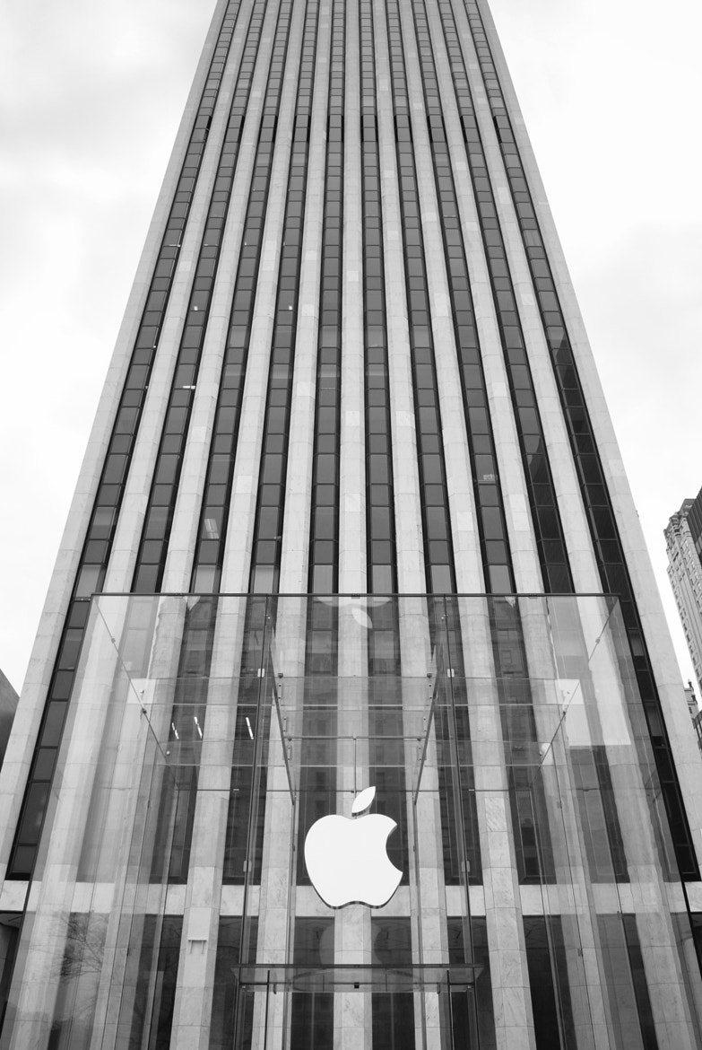 Photograph Apple Store Fifth Avenue by llorca on 500px