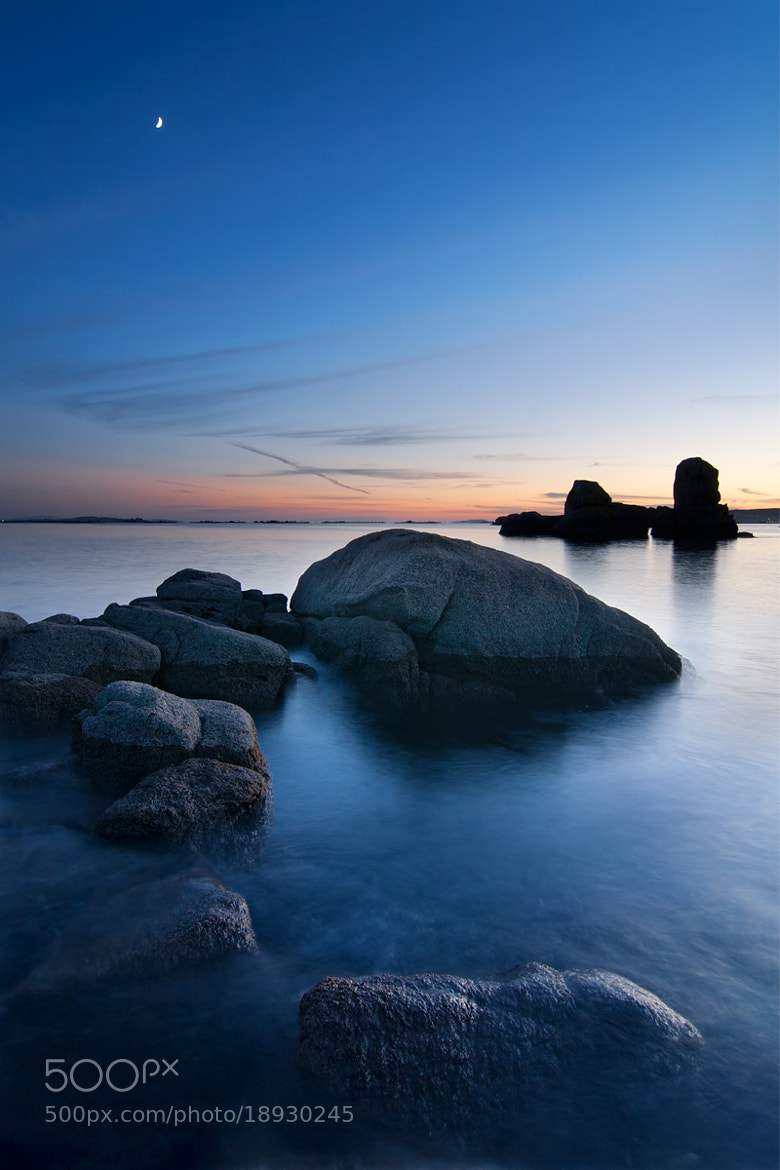 Photograph The Tide and the Moon by Anxo Resúa on 500px