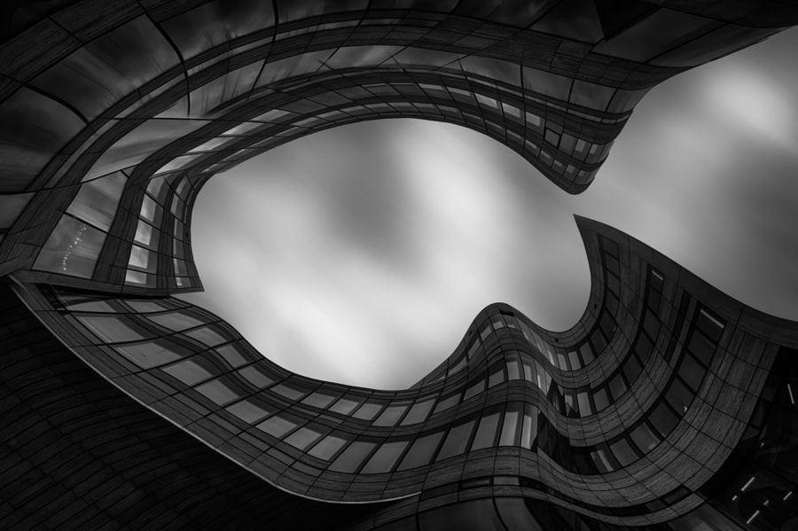 Curves of architecture