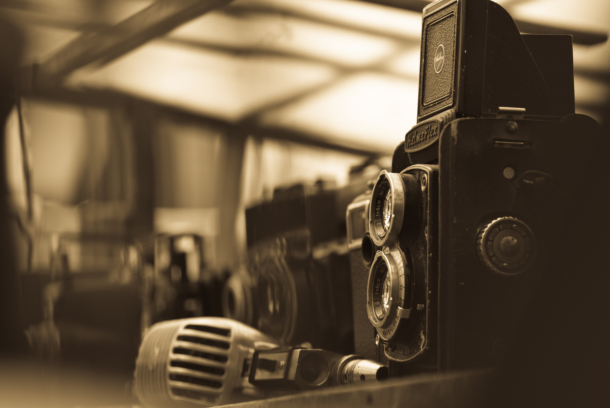 Photograph Old TLR by Gabriel Skoropada on 500px