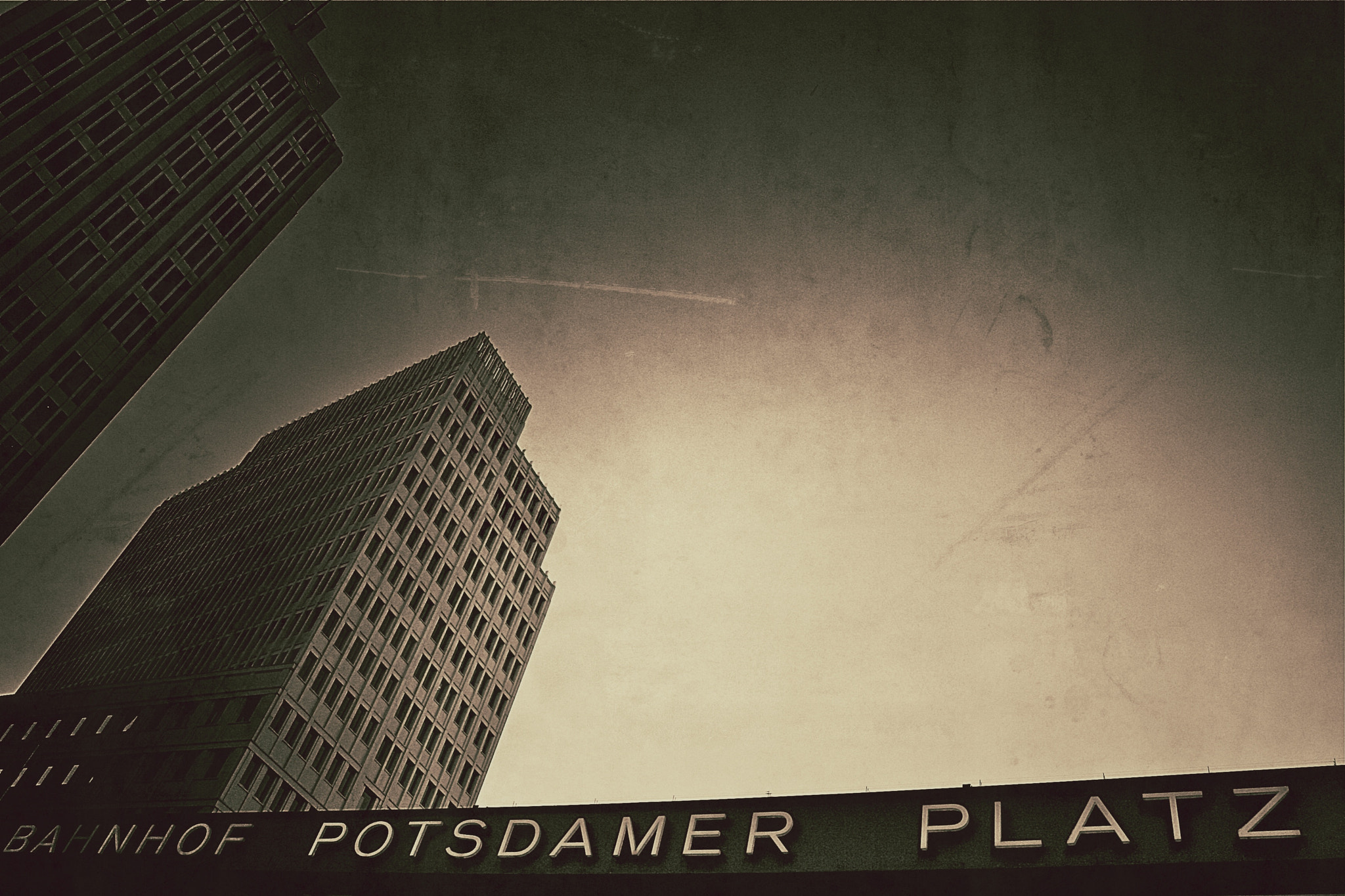 Photograph PotsdameR PaltZ ! ReloadeD ! by Guillaume Rio on 500px