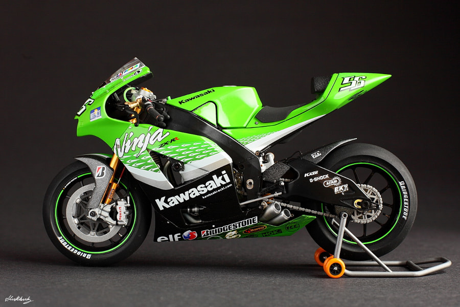 The model of Kawasaki Ninja ZX-RR '06 (motoGP)