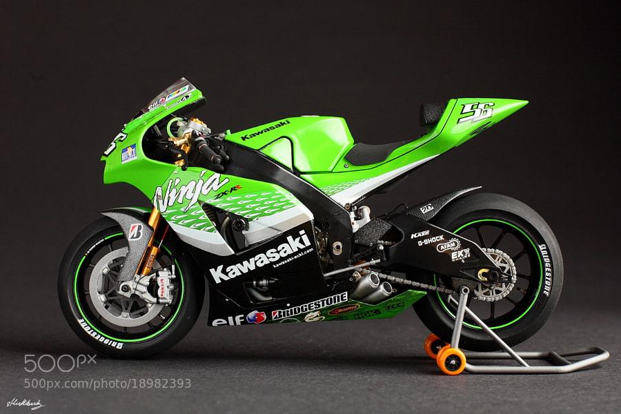 The model of Kawasaki Ninja ZX-RR '06 (motoGP) scale: 1/12 Tamiya/vmmodels Hand made