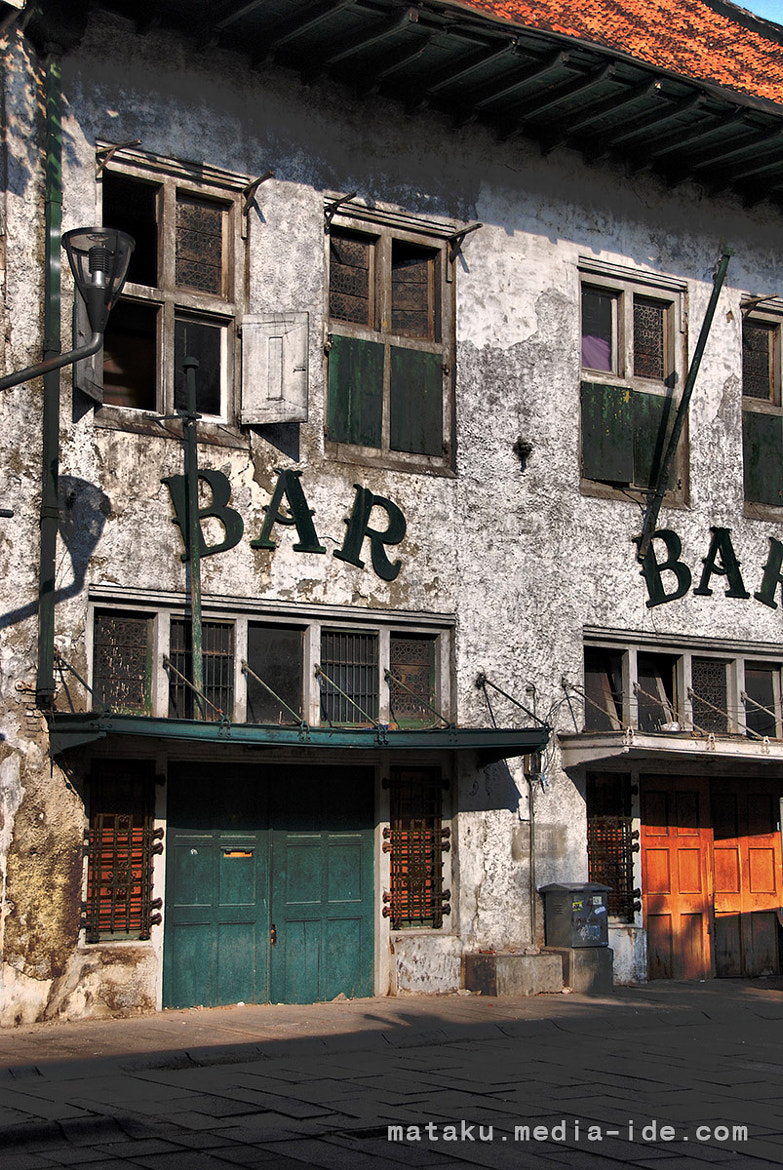 Photograph Bar Turned to Warehouse by Pitra Satvika on 500px