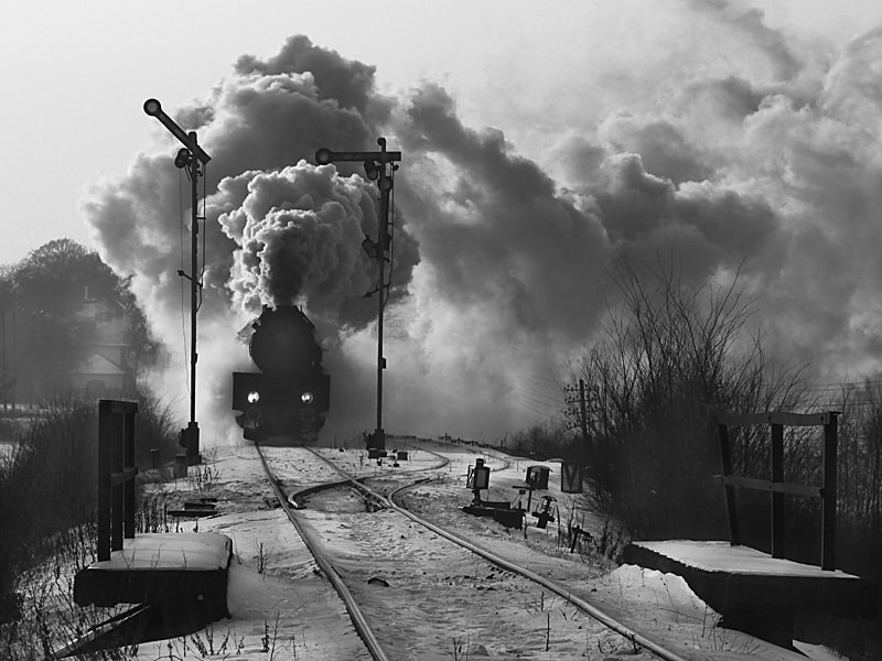 Photograph the train is running away by Anna Klinkosz on 500px
