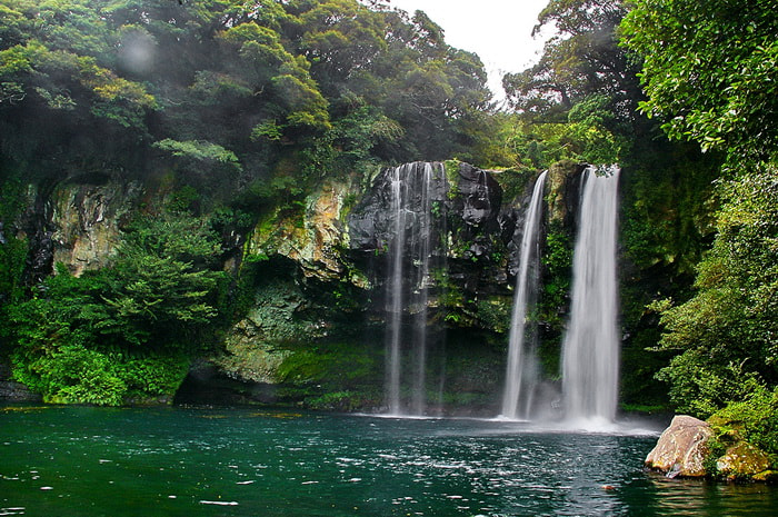 Photograph the waterfall by Rebecca Lie on 500px