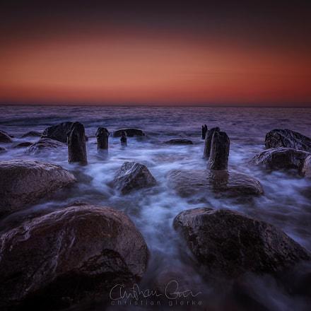 Waves and rocks II