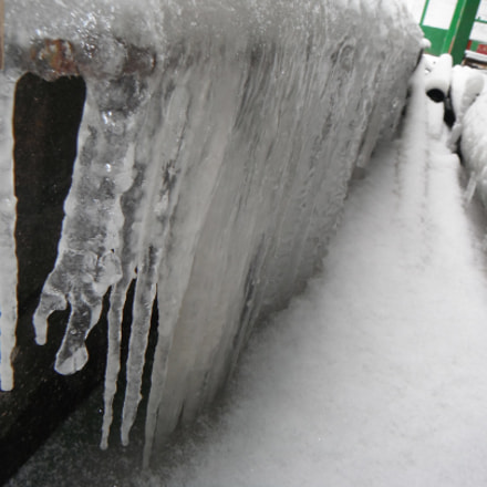 Icicles on a beam, Fujifilm FinePix XP20