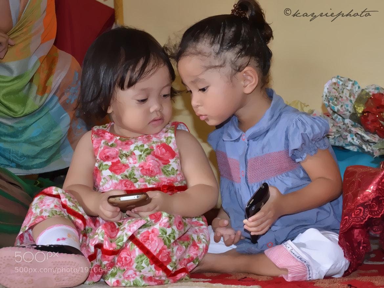 Photograph Kids and technology. by keri ganu on 500px