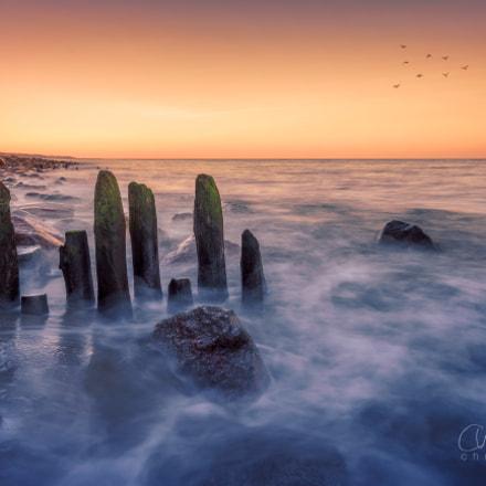 Waves and rocks IV
