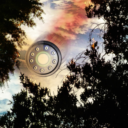 ufo in the sky, Nikon COOLPIX P80
