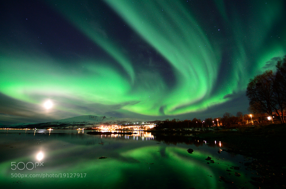 Photograph aurora reflections by John Hemmingsen on 500px