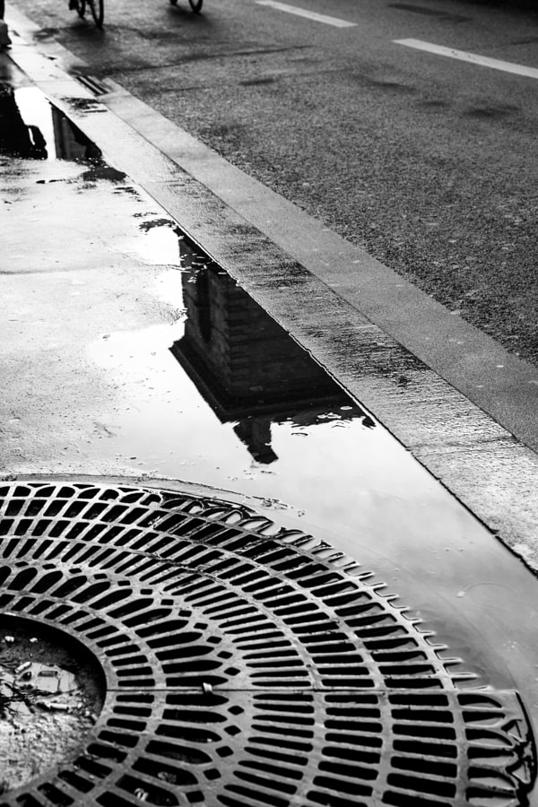Sometimes simplicity is beautiful, after the rain in Paris near Norte Dame