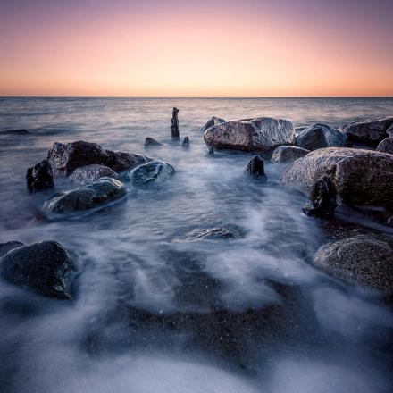 Rocks and waves V