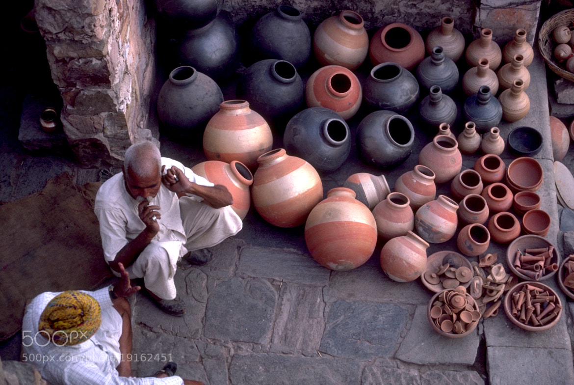 Photograph Pottery Seller, Jaipur by David Ryan on 500px