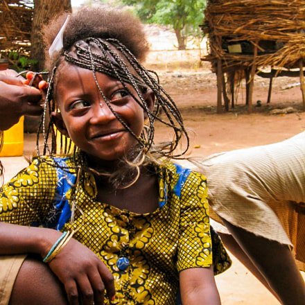 young girl in burkina, Canon DIGITAL IXUS V3