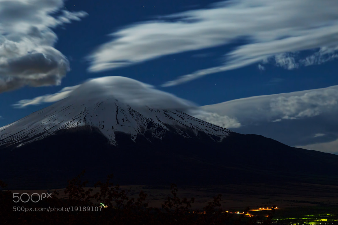 Photograph Mt.Fuji at midnight by MIYAMOTO Y on 500px