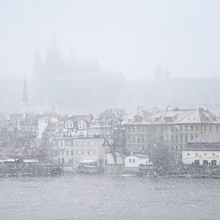 Snowstrorm in Prague, Canon EOS 400D DIGITAL, Sigma 18-125mm f/3.5-5.6 DC IF ASP