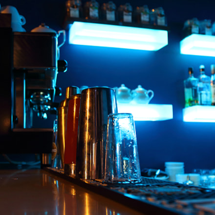 at the bar, Canon EOS M2
