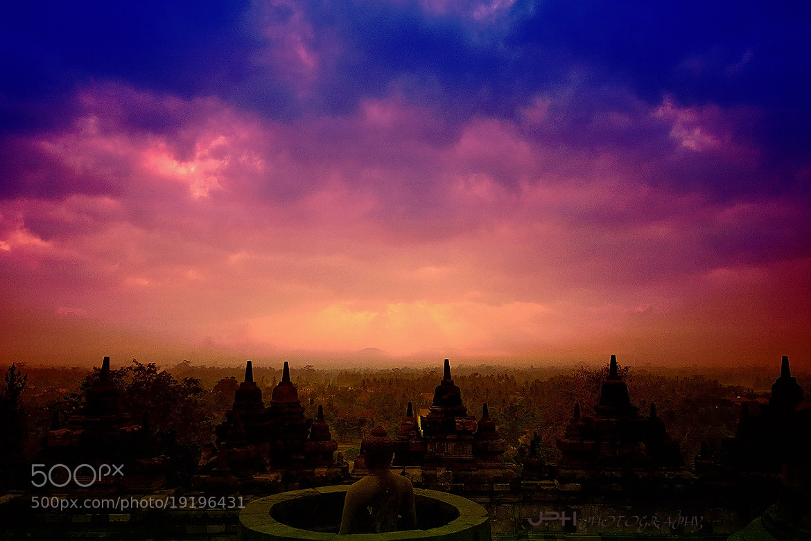 Photograph บุโรพุทโธ (Borobudur) by Jakkaphan Hirunviriya on 500px
