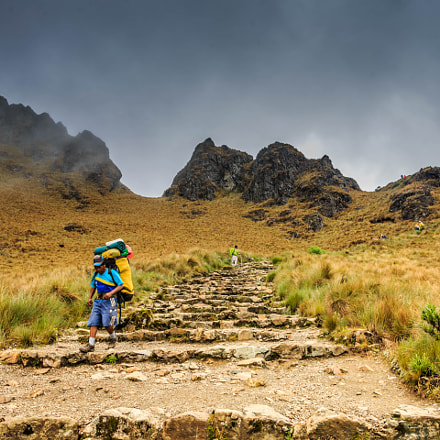Inca Trail Porter Cusco, Canon EOS 5D MARK III, Tamron SP AF 17-35mm f/2.8-4 Di LD Aspherical IF