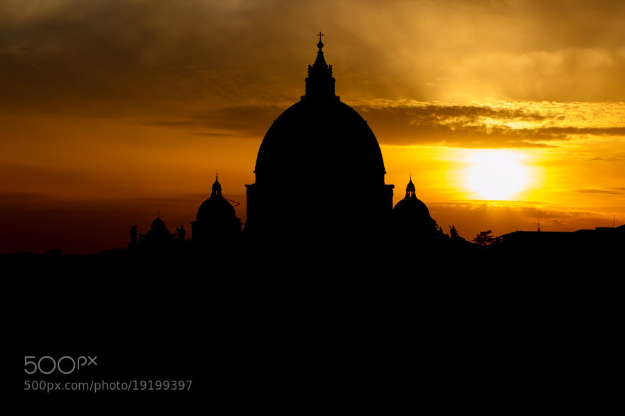 Photograph St. Peter's Basilica silhouette by Alexander Dragunov on 500px