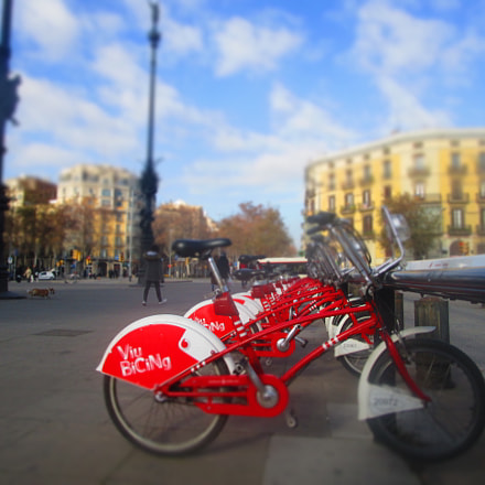Bicing to Barcelona, Canon IXUS 155