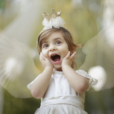 Surprised Angel, Canon EOS-1D C, Canon EF 85mm f/1.2L