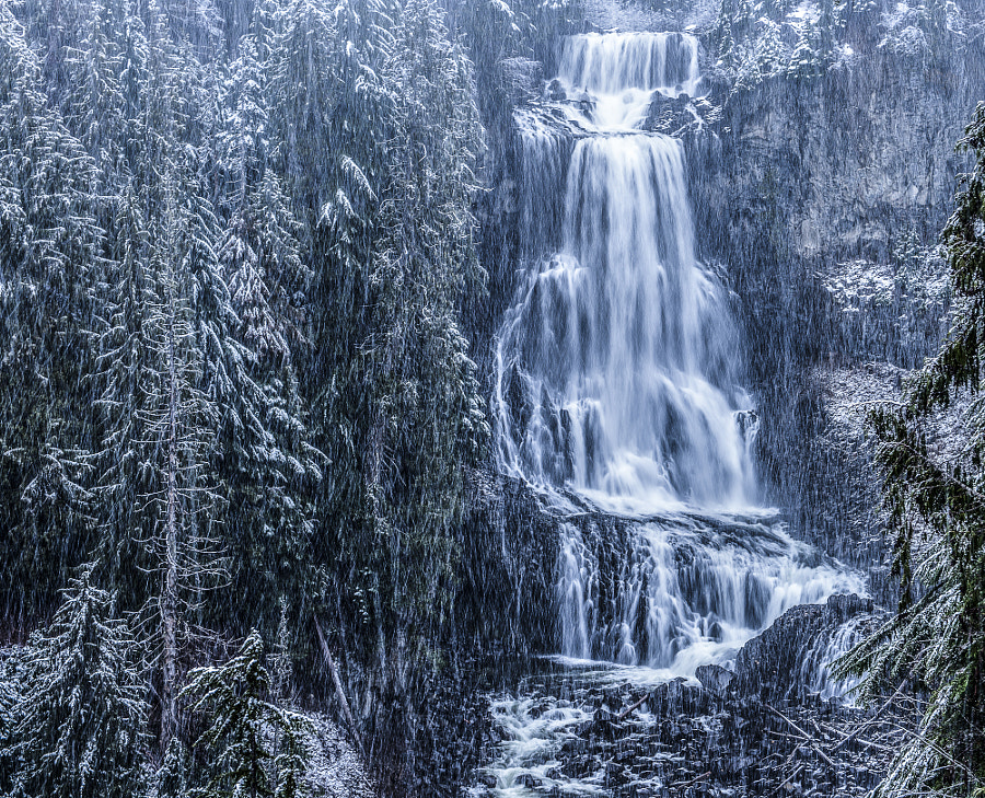 winter waterfall at Alexander Falls by Mark Bowen on 500px.com