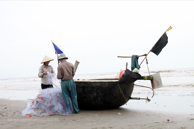 Photograph Family of fishermen by Do Ngoc Nam on 500px