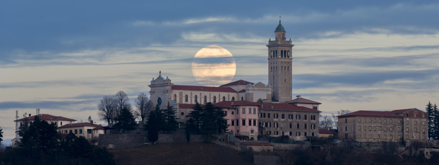 Full Moon by Jure Batagelj on 500px.com