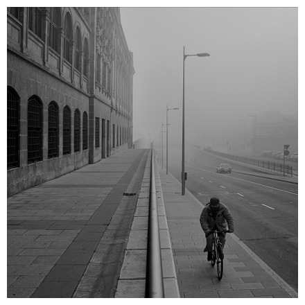 Bicycle in the fog, Nikon D700, Sigma 28-200mm F3.5-5.6 Compact Aspherical Hyperzoom Macro