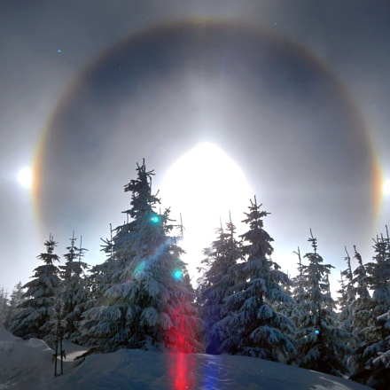 Halo optical phenomenon, Nikon COOLPIX AW100