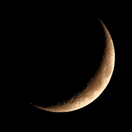 First crescent moon, RICOH PENTAX K-3, Sigma 18-300mm F3.5-6.3 DC Macro HSM