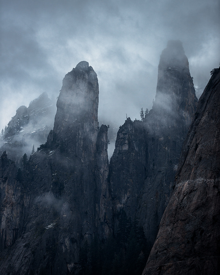 Twin Peaks in Yosemite by Michael Bandy on 500px.com