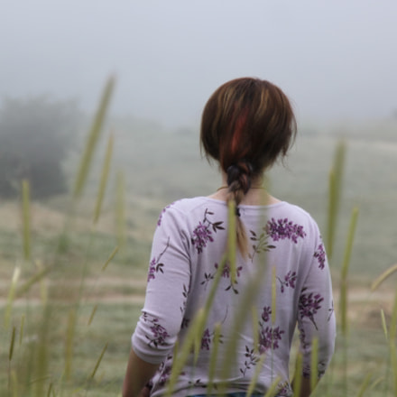girl in fog, Canon EOS KISS X3, Canon EF 24-105mm f/4L IS