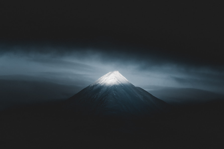 The Peak. by Benjamin Hardman on 500px.com